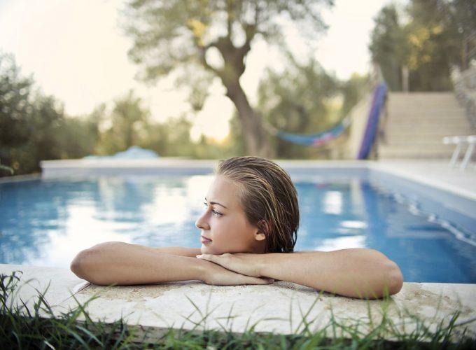 Připravte svůj bazén na sezónu. Máte zajištěno vše potřebné?