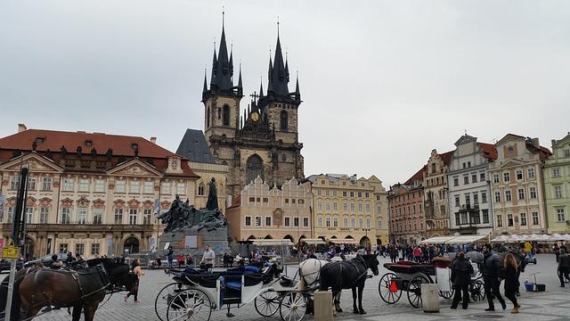 Staroměstské náměstí. Ikona Prahy se zakrvavenou minulostí